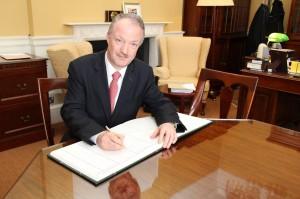 Signing the roll in Dáil Éireann