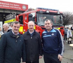 With Councillors Seán Paul Mahon and Tom Brabazon at Dublin Fire Brigade rally to retain the ambulance service.