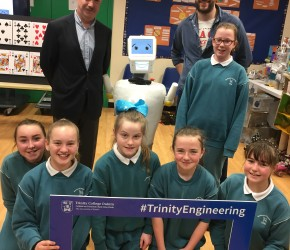 S​tevie the Robot from TCD visits Gaelscoil Cholmcille, Santry